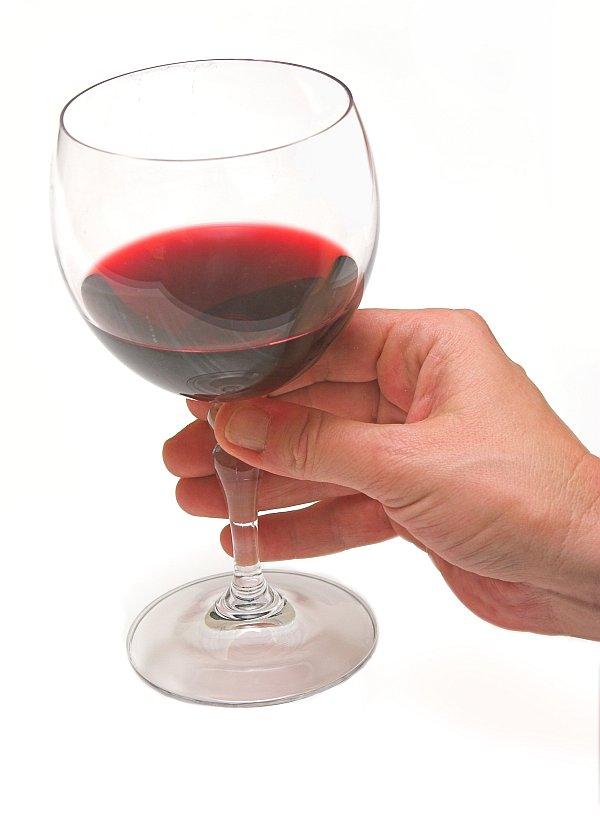 En mejoresvinosdelmundo.com nos gusta descubrir Vinos de todo el mundo. Personas de todo el mundo. Llegar a rincones insospechados y degustar sus vinos.