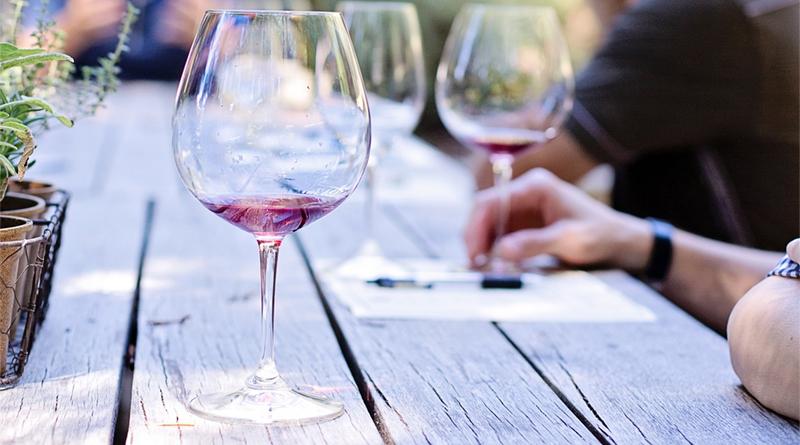 Qué sabes de vinos y contesta a estas preguntas que te proponemos sobre el vino y su mundo.