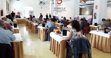 catadores mejores vinos Jumilla en su certamen 25