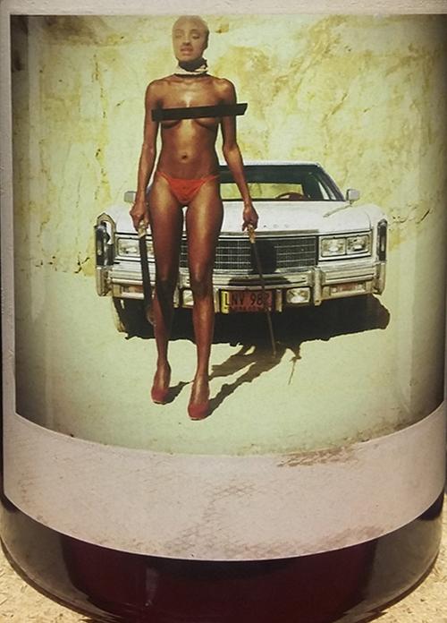 Machete, Orin Swift Cellars. Es una idea de David Phinney, llevada a cabo por el fotógrafo Caitlin Mitchell.