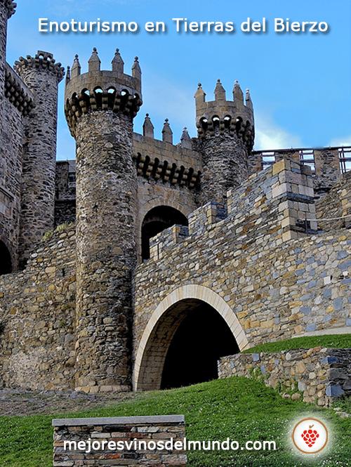 El Enoturismo en Tierras del Bierzo conlleva visitas tan pintorescas como la del castillo templario de Ponferrada.